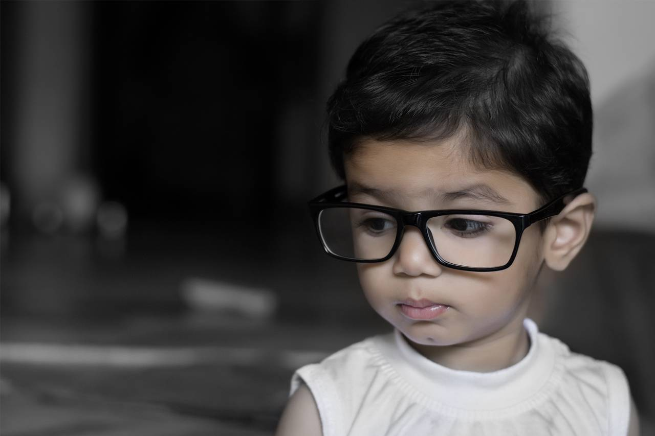 eyewear-big-hispanic-child