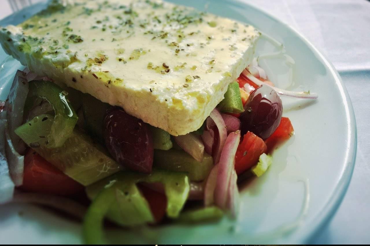 food-salad-greek-lots-feta