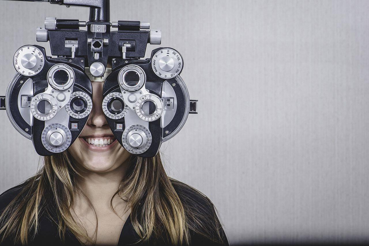 girl_eye_exam-bkground_sm