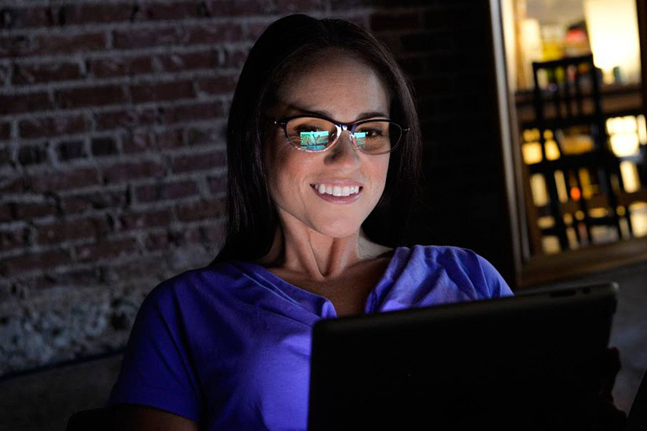 woman eyeglasses for computer use