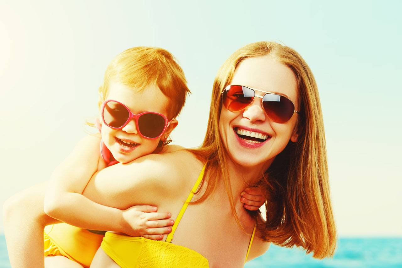 sunglasses-american-mother-child