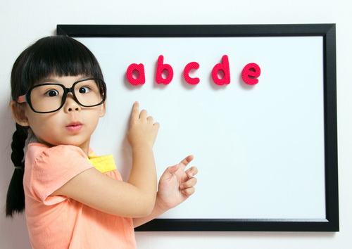 Eagle Mountain Family Eye Care - How to identify warning signs of Children's vision problems | Local Eye Care Clinic in Fort Worth, Texas