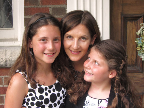 mom with daughters2