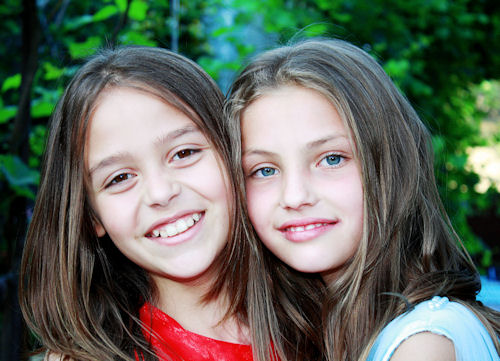 pre-teens wear daily disposable contact lenses