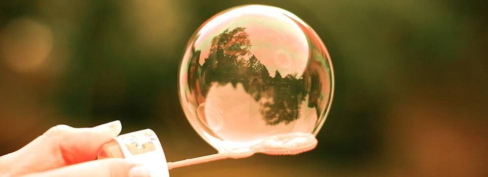 soap_bubbles_hand